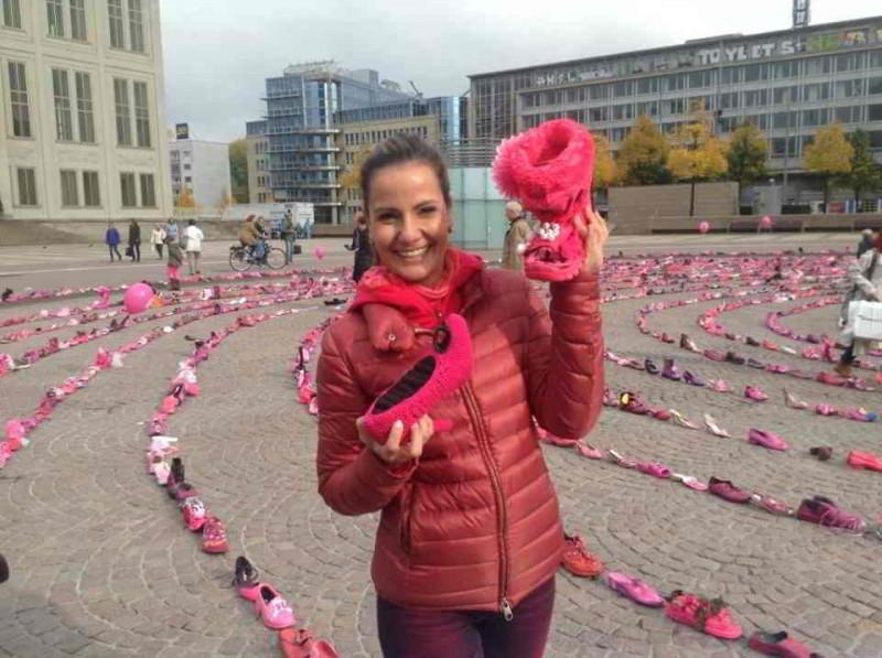 Katrin Huß moderierte bereits den Pink Shoe Day 2013.