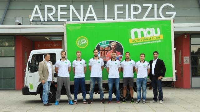 Die Autovermietung Mau unterstützt die Handballer vom SC DHfK