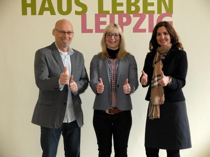 Tanja Schuck ist Botschafterin des Haus Leben. Bild: Volker Große*, Tanja Schuck, Michaela Bax* (v.l.n.r., *Haus Leben e. V.)
